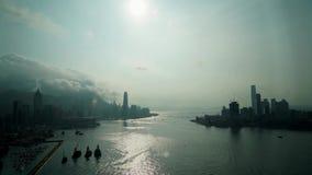 Hong Kong Victoria-baai hierboven wordt gezien die van stock video