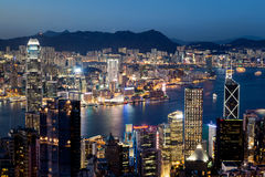 Hong Kong Victoria Harbor Skyline på natten Royaltyfri Fotografi