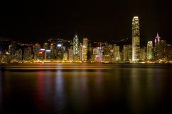 Hong Kong Victoria Harbour The pärla av Orienten en symfoni av för nattsikt för ljus panorama- horisont Royaltyfria Bilder