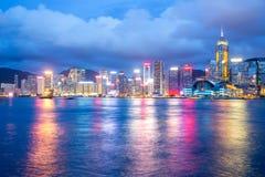 Hong Kong Victoria Harbour skymning arkivfoto