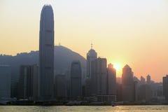 Hong Kong Victoria Harbour solnedgångsikt royaltyfria bilder