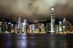 Hong- Kongnachtzeit-Skyline Stockbild