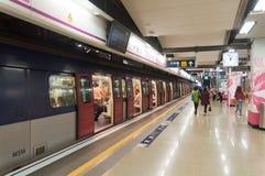 Hong- Konguntergrundbahn intern Stockbilder