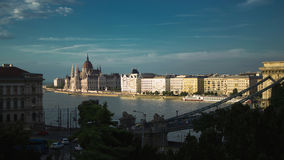 Hongaars Parlementsgebouw bij Zonsondergang Royalty-vrije Stock Afbeelding