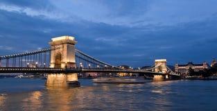 Hongarije, Boedapest, kettingsdruk. De Mening van de stad Royalty-vrije Stock Foto