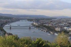 Hongarije, mening van Gellert-heuvel op de de stad en Donau van Boedapest Royalty-vrije Stock Foto's