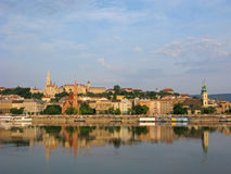 hongarije Panorama van Boedapest met Fishermans-bastion royalty-vrije stock foto
