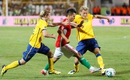 Hongarije versus de voetbalspel van Zweden Stock Foto