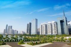 Hongcheng公园和摩天大楼 库存照片