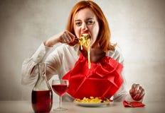Hongerige vrouw Stock Foto