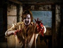 Hongerige zombie die uw hersenen komen eten Stock Foto's