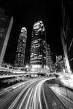 Hongkong bij gestemde nacht in zwart-wit Royalty-vrije Stock Foto's