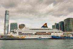 HONGKONG - JANUARI 11: Victoria Harbor på Januari 21, 2016 i H Arkivbild