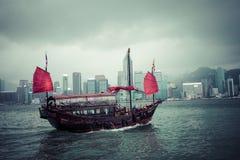 HONGKONG JUNI 05, 2018: Sh träsegling för traditionell kines Royaltyfri Fotografi
