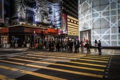 HONGKONG KINA - JANUARI, 17: Hong Kong uteliv Uteliv startar från 10 e.m., erbjuder en variation av stänger, shoppar och restaura Arkivfoto