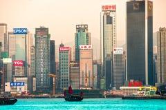 HONGKONG - MARS 15: Victoria Harbor på mars 15, 2013 i Hong Arkivbild
