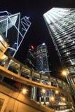 Hongkong van de binnenstad bij nacht Royalty-vrije Stock Afbeeldingen