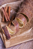 Hongrois un pain rond avec de la cannelle Photographie stock libre de droits