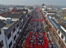 Hongzemeer, jiangsuprovincie, China: 1, 000 mensen deelt een slakfeest Royalty-vrije Stock Fotografie