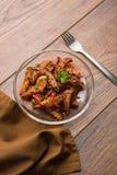 Honigpaprikakartoffel oder Kartoffelkeile stockfotos