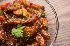 Honigpaprikakartoffel oder Kartoffelkeile stockfotografie