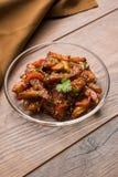 Honigpaprikakartoffel oder Kartoffelkeile stockfoto
