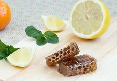 Honing, citroen en munt Stock Fotografie