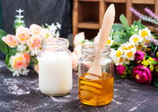 Honing en melk Royalty-vrije Stock Afbeelding