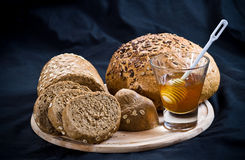 Honing met brood Royalty-vrije Stock Foto