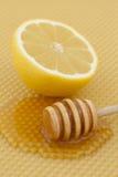 Honing met citroen Stock Afbeelding