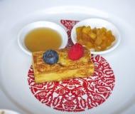 Honingsbrood met bosbes Stock Foto