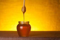 Honingskruik stock foto's