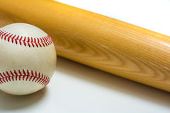Honkbal en Knuppel Royalty-vrije Stock Afbeeldingen