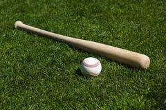 Honkbal en Knuppel Stock Foto's