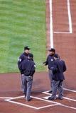 Honkbal MLB - de Vergadering van de Bemanning van de Scheidsrechter plateert thuis stock foto