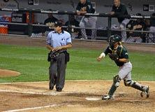 Honkbal MLB - Vanger Suzuki die aan 2de Basis werpt Stock Foto