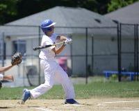 Honkbalbeslag het slingeren Royalty-vrije Stock Foto's