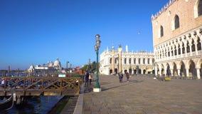 Honnör för BasilicaSanta Maria della, Venedig, Italien arkivfilmer