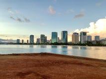 Honolulu durante il tramonto fotografia stock
