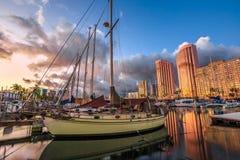 Free Honolulu Harbor Skyline Royalty Free Stock Photography - 77703157