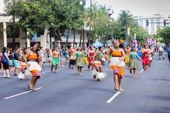Honolulu, Havaí, EUA - 30 de maio de 2016: Parada de Waikiki Memorial Day Imagem de Stock