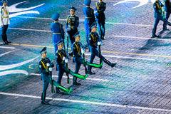 """The Honor Guard and the Band of the Presidential Regiment """"Aibyn"""" of Republic of Kazakhstan at the Red Square. MOSCOW, RUSSIA - AUGUST 26, 2016: Spasskaya Stock Images"""