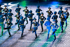 """The Honor Guard and the Band of the Presidential Regiment """"Aibyn"""" of Republic of Kazakhstan at the Red Square. MOSCOW, RUSSIA - AUGUST 26, 2016: Spasskaya Stock Photo"""