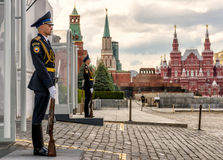 Honor guard at the entrance to the Kremlin, Moscow Stock Photography