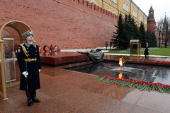 The honor guard at the Tomb of the Unknown Soldier in the Alexander garden. Post number 1. MOSCOW, RUSSIA - FEBRUARY 23, 2014:The honor guard at the Tomb of the Royalty Free Stock Photography