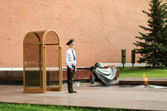 Honor guard at the Tomb of the Unknown Soldier. At Moscow Kremlin Stock Photos