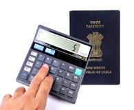 Honoraires calculateurs de passeport photos stock