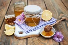 Honung och citron arkivfoton