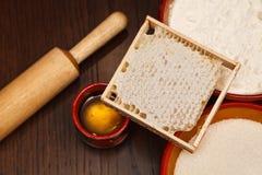 Honung, socker och mjöl Arkivbild