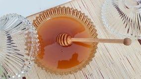 Honung som är ny i den söta bunken Royaltyfri Foto